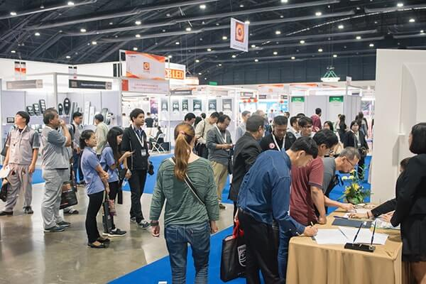 led expo trade show